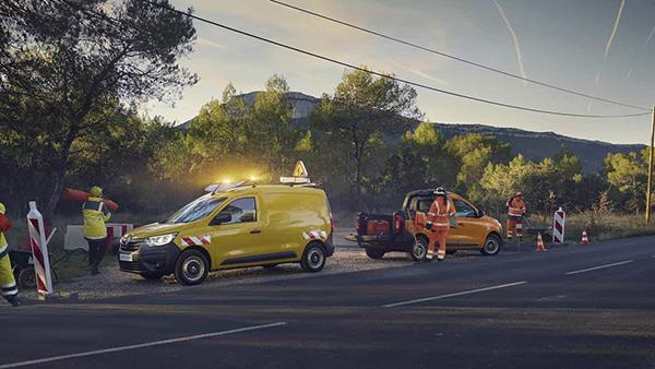 Jaunais Renault Express Van NORDE